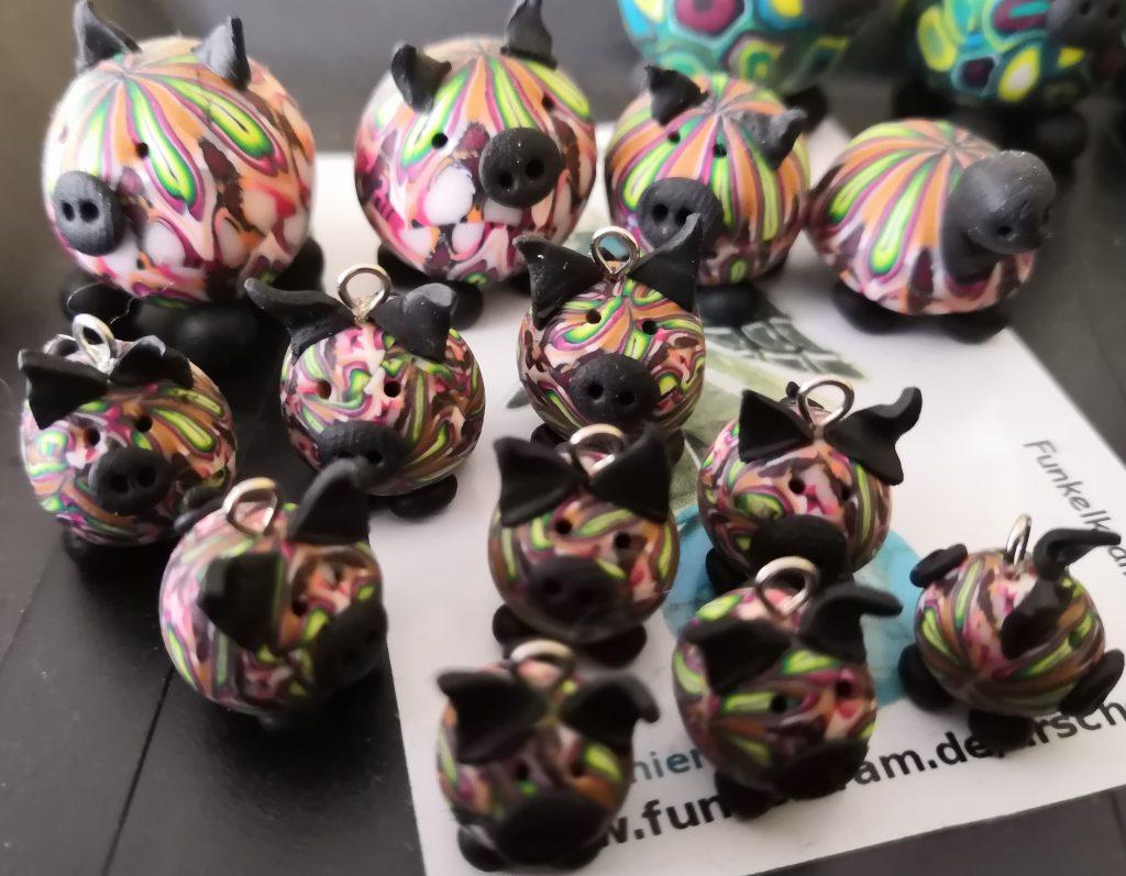 Fimo kleine Schweine mit Cane-Muster, verschiedene Größen